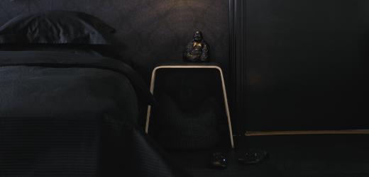 svart sovrum
